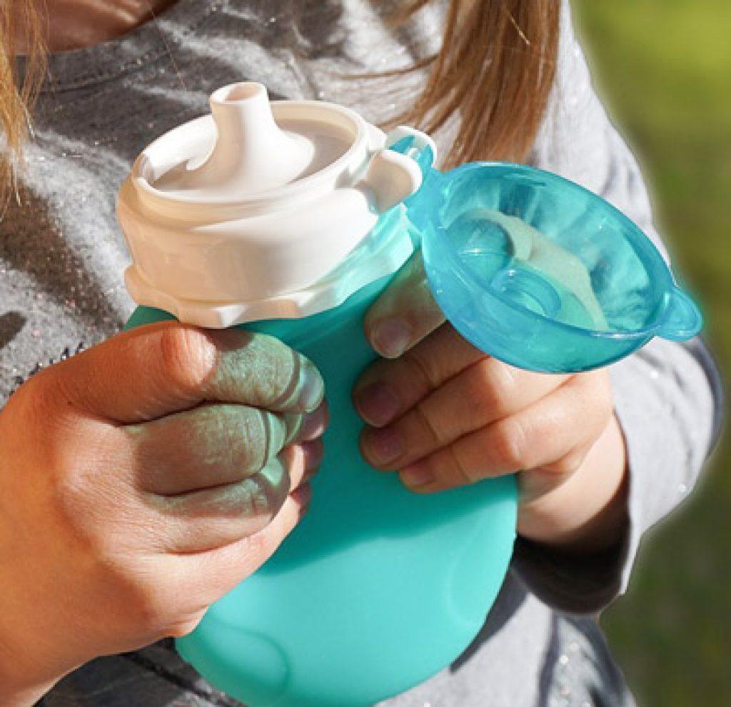 Gourdes en silicone souple pour bébés et enfants Squaesay Snacker : pour compotes, purées, boissons et smoothies