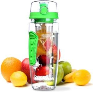 bouteille avec infuseur à fruit