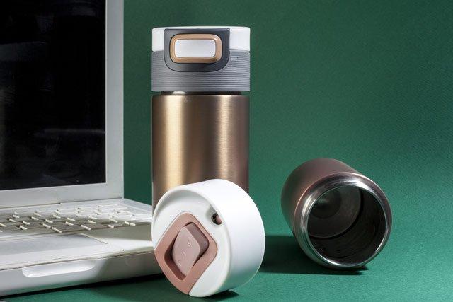 les meilleurs mugs isothermes thermos de voyage pour thé ou café